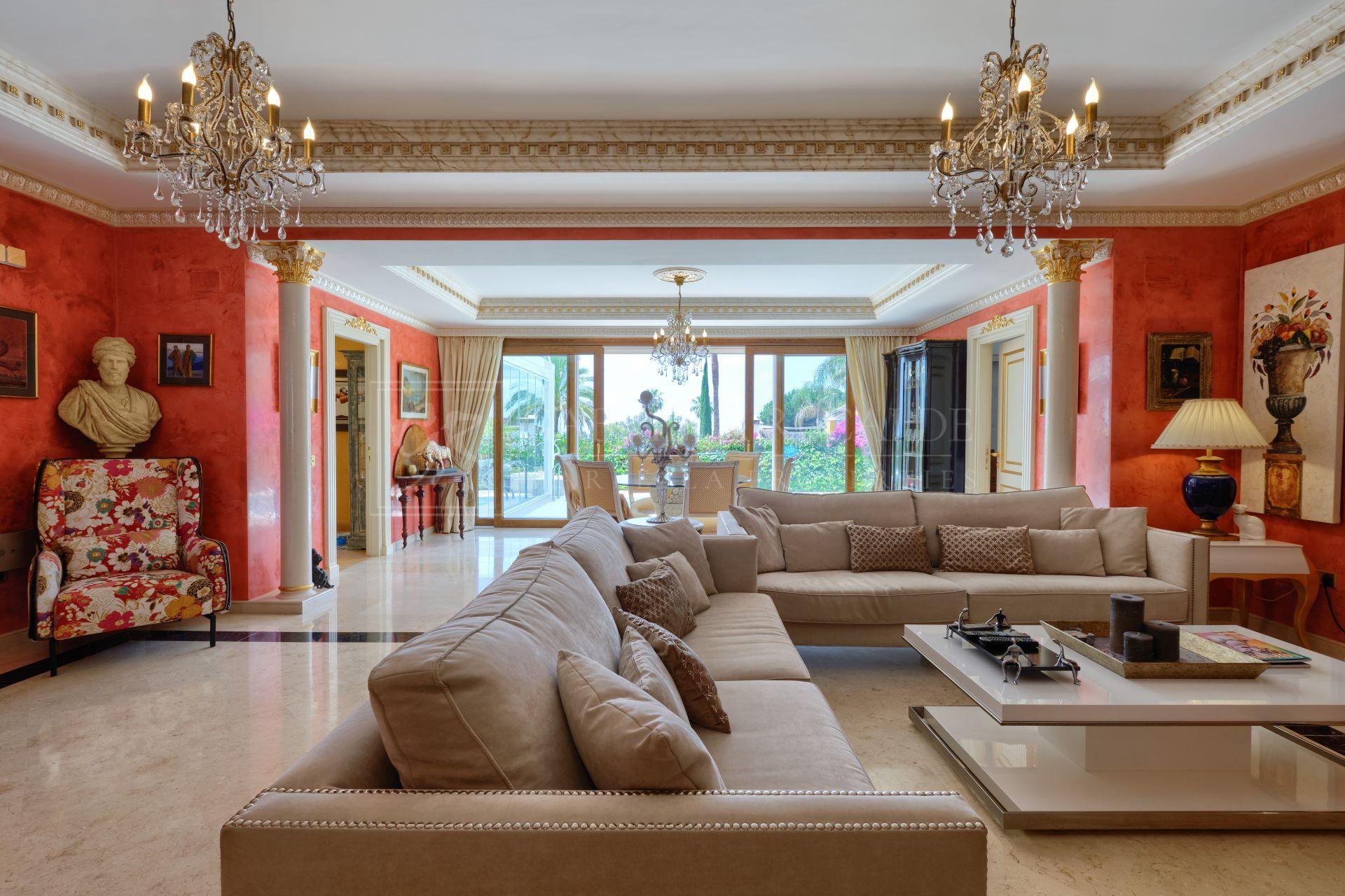 Beautiful Italian-Style Villa with Sea Views, Marbella