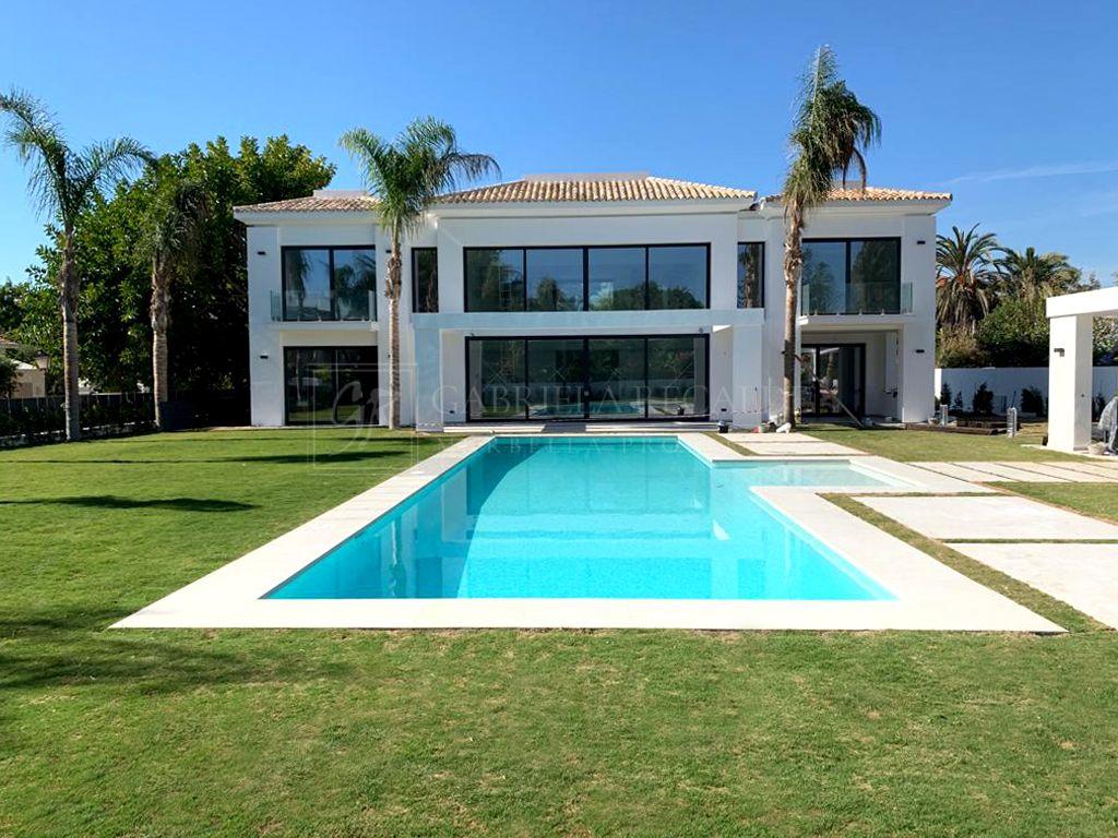 Amazing Villa Near the Beach