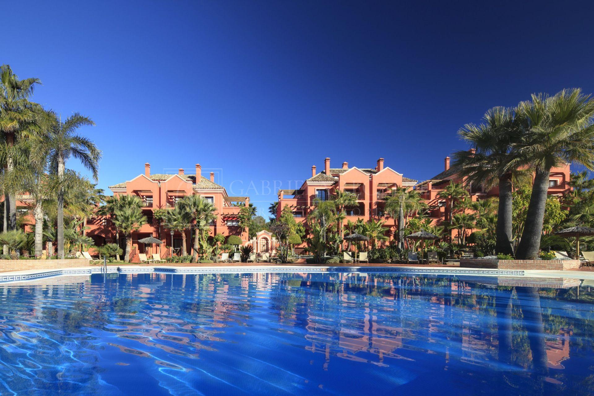 Apartamento en venta en La Alzambra, Nueva Andalucia