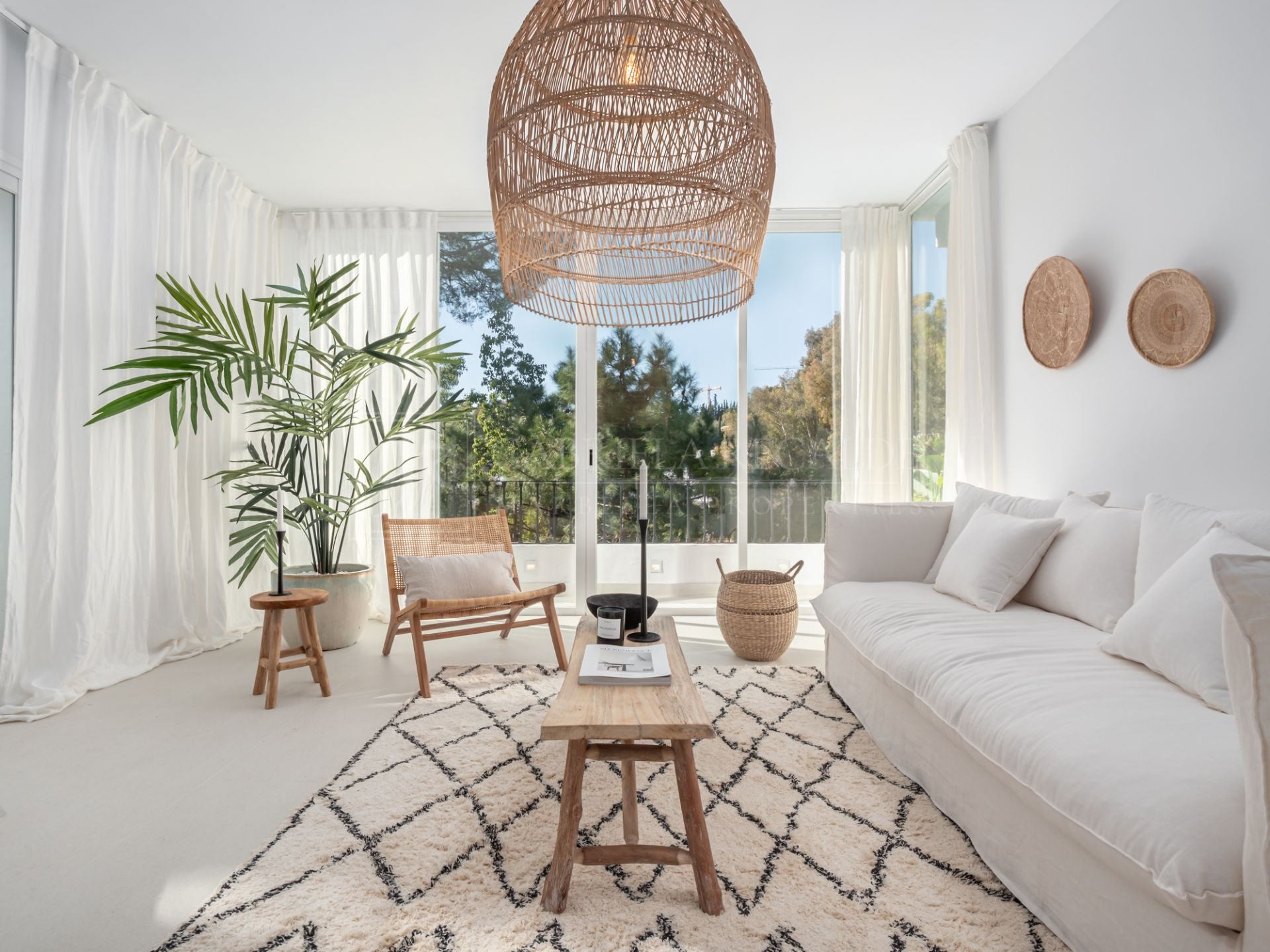 Stunning, Newly Refurbished Duplex Apartment