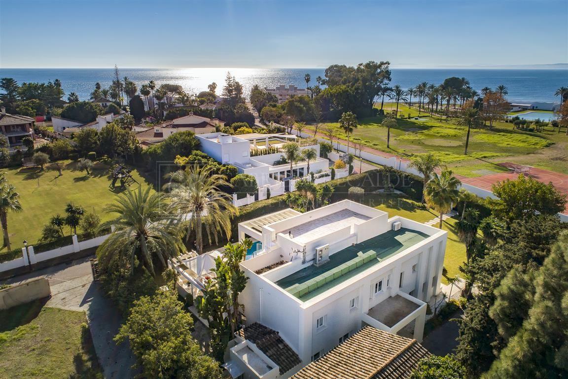 Modern Villa with Sea Views in Guadamina Baja