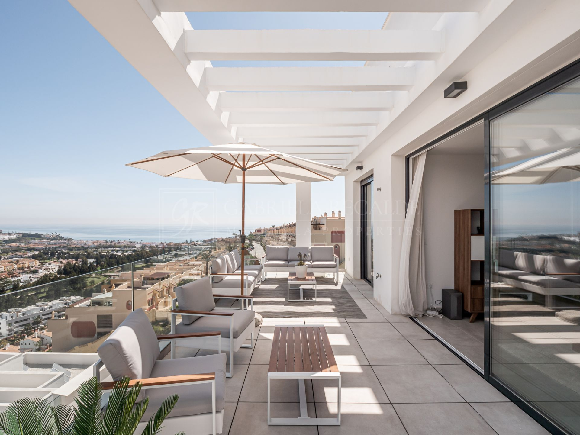 Fantastic Penthouse with panoramic views to the sea and mountains