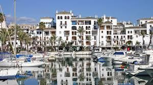 In the heart of Puerto de la Duquesa, recently renovated 1 bedroom apartment, fantastic investment opportunity.