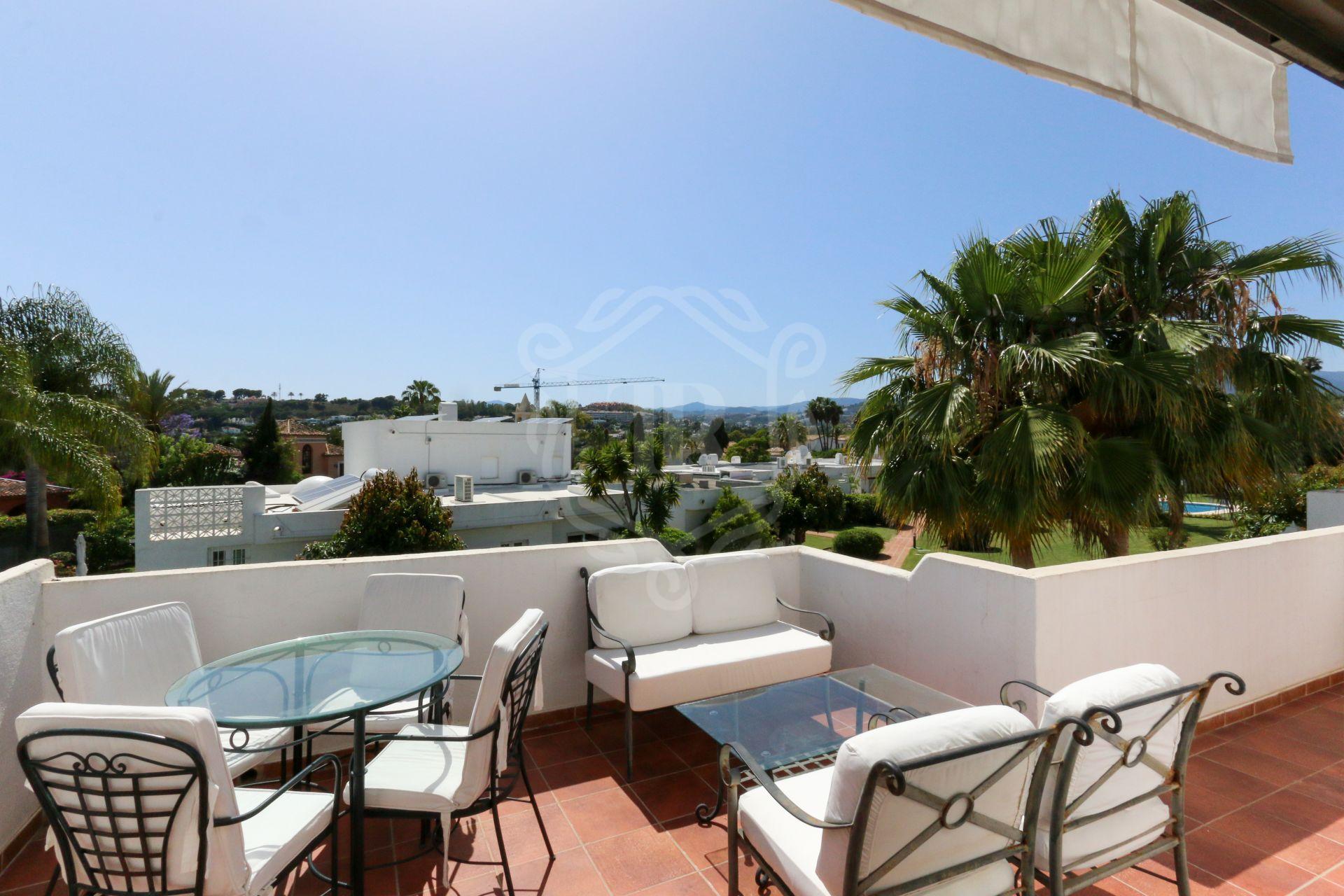 Penthouse for sale in Aloha Sur 32, Nueva Andalucia