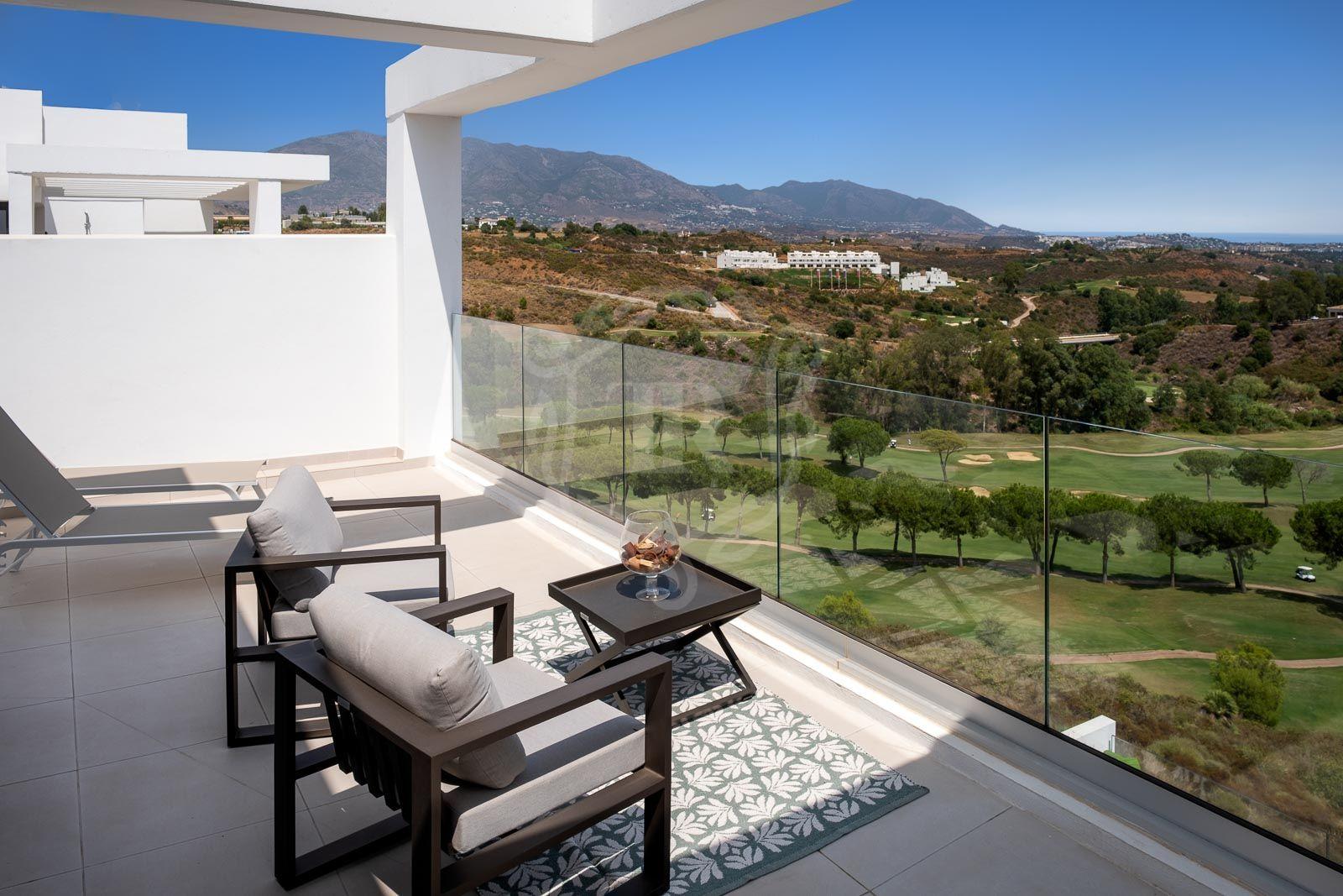 Frontline golf penthouse in Mijas - La Cala Fairways