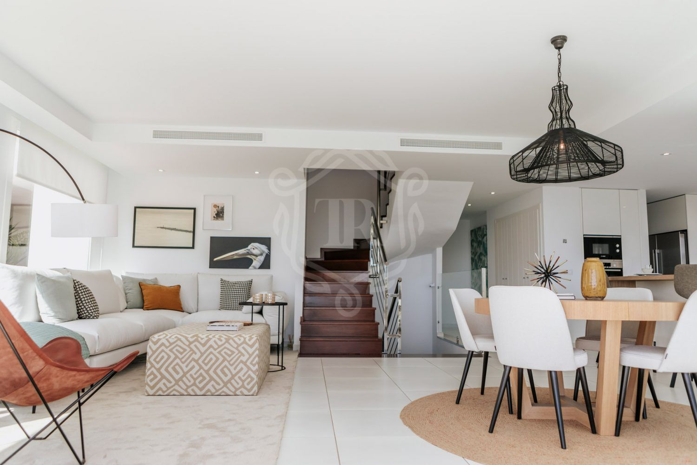 Villa for sale in Torremuelle, Benalmadena