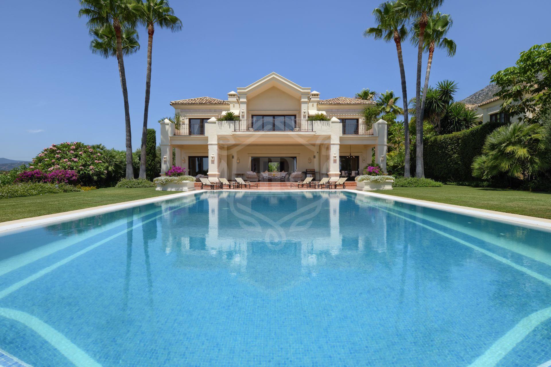 Stunning villa in Marbella Hill Club, Marbella Golden Mile