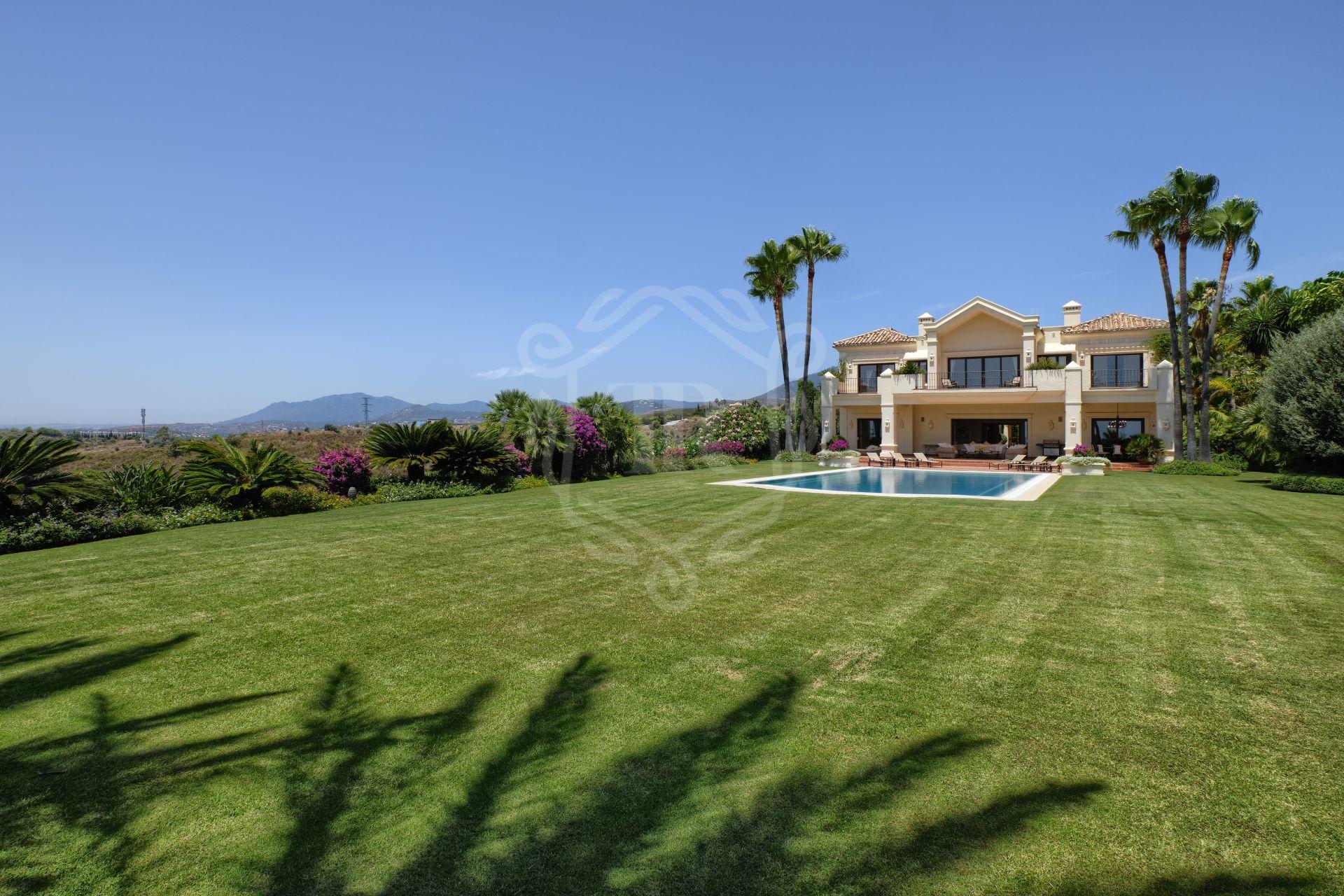 Villa for sale in Marbella Hill Club, Marbella Golden Mile