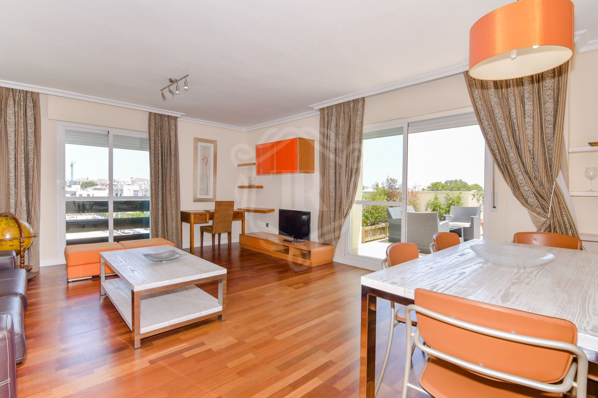 Penthouse for sale in Lorcrimar, Nueva Andalucia
