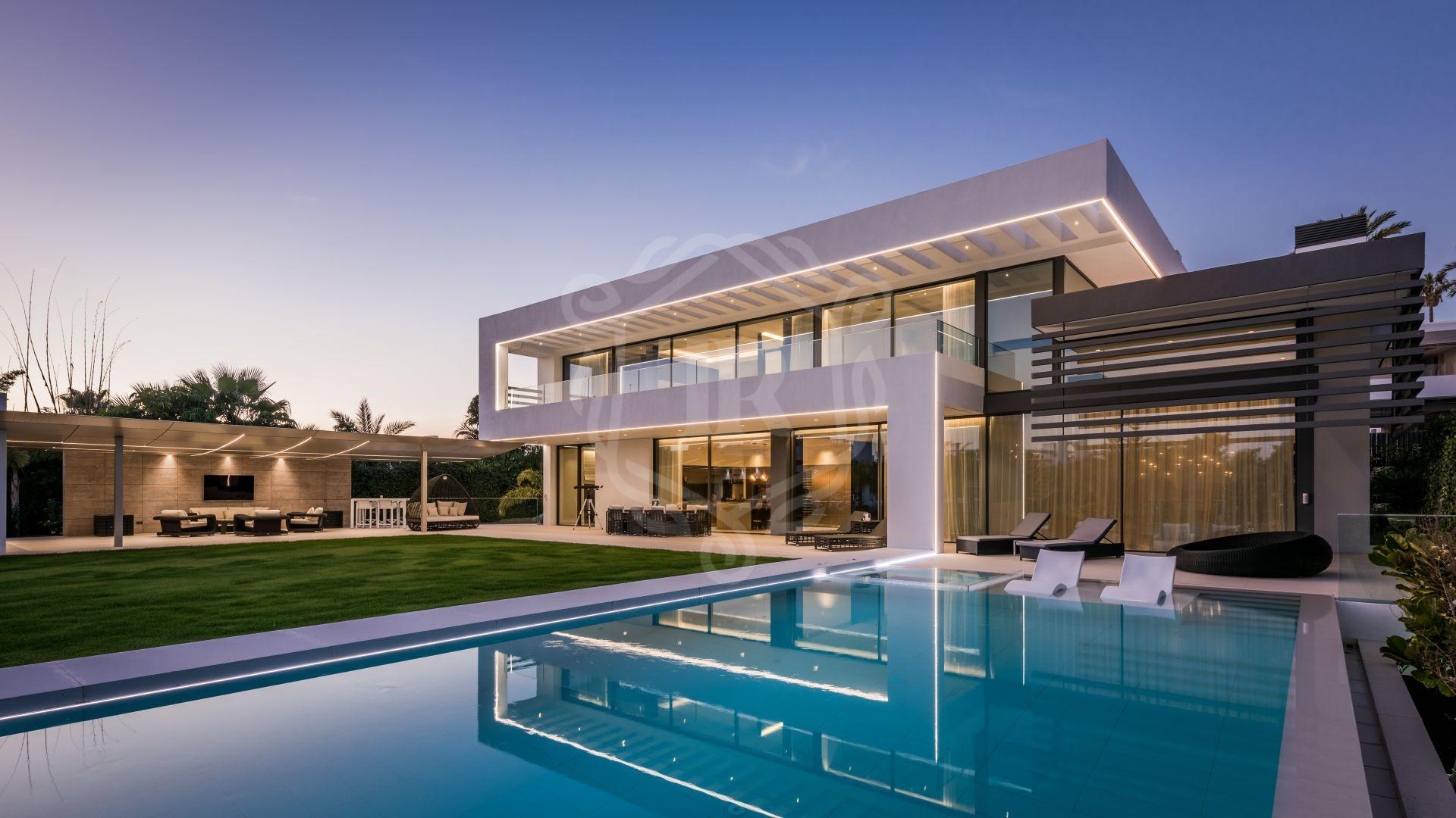 Impresionante villa contemporánea en Lomas de Marbella Club, Milla de Oro de Marbella