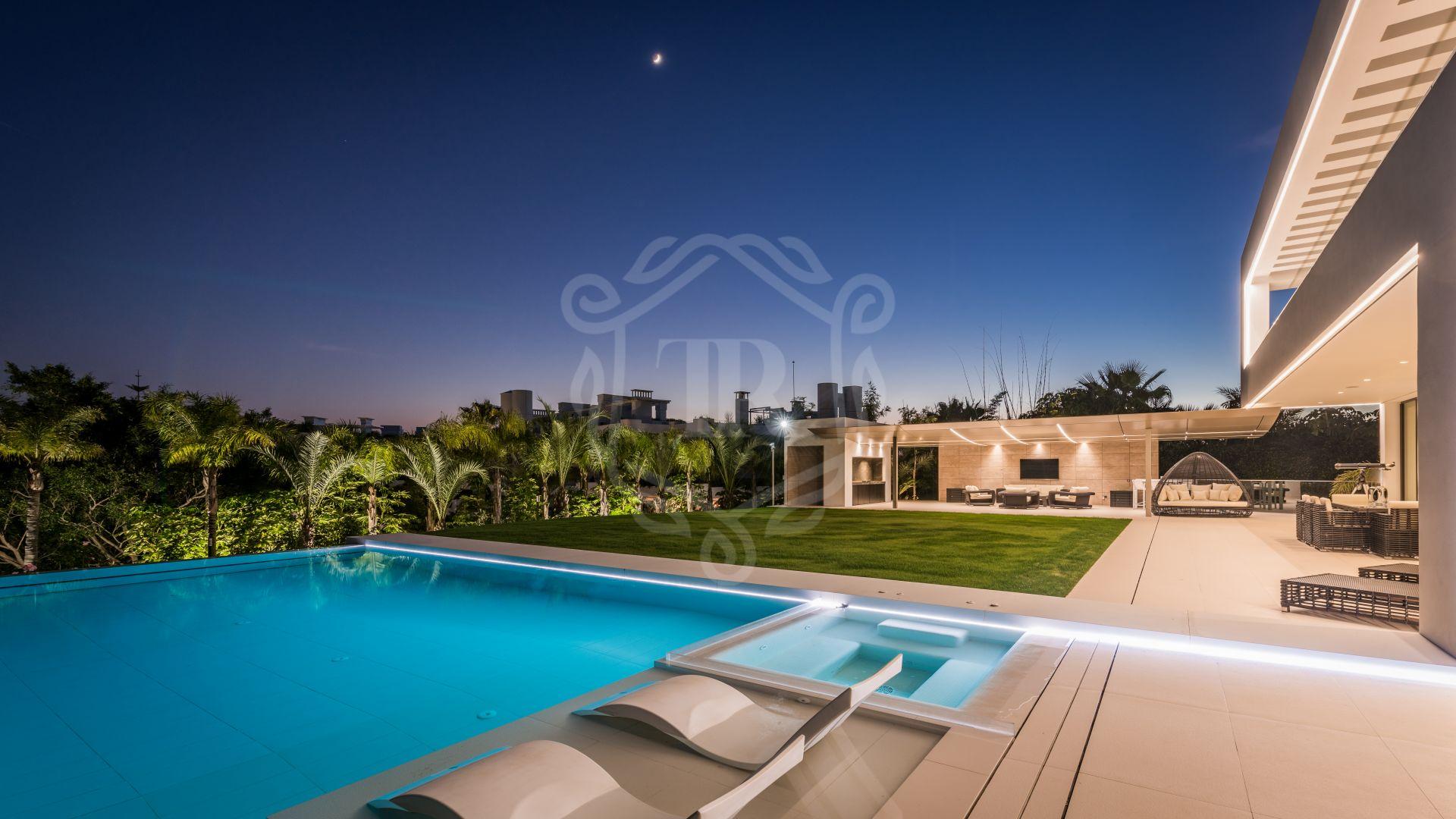 Villa for sale in Las Lomas del Marbella Club, Marbella Golden Mile