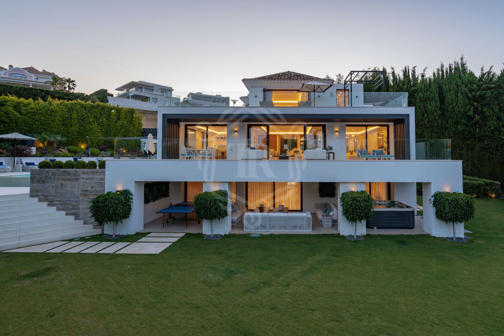 Stunning renovated 5-bedroom villa in Nueva Andalucia
