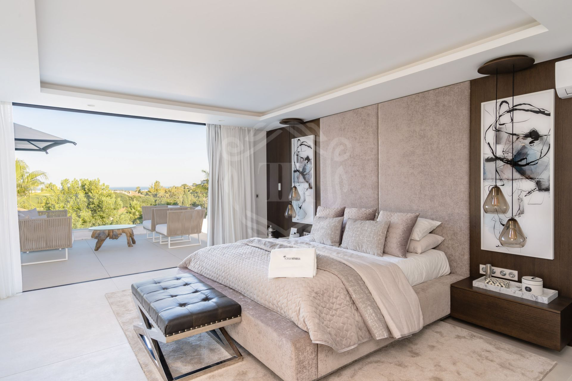 Villa for sale in Los Naranjos Golf, Nueva Andalucia