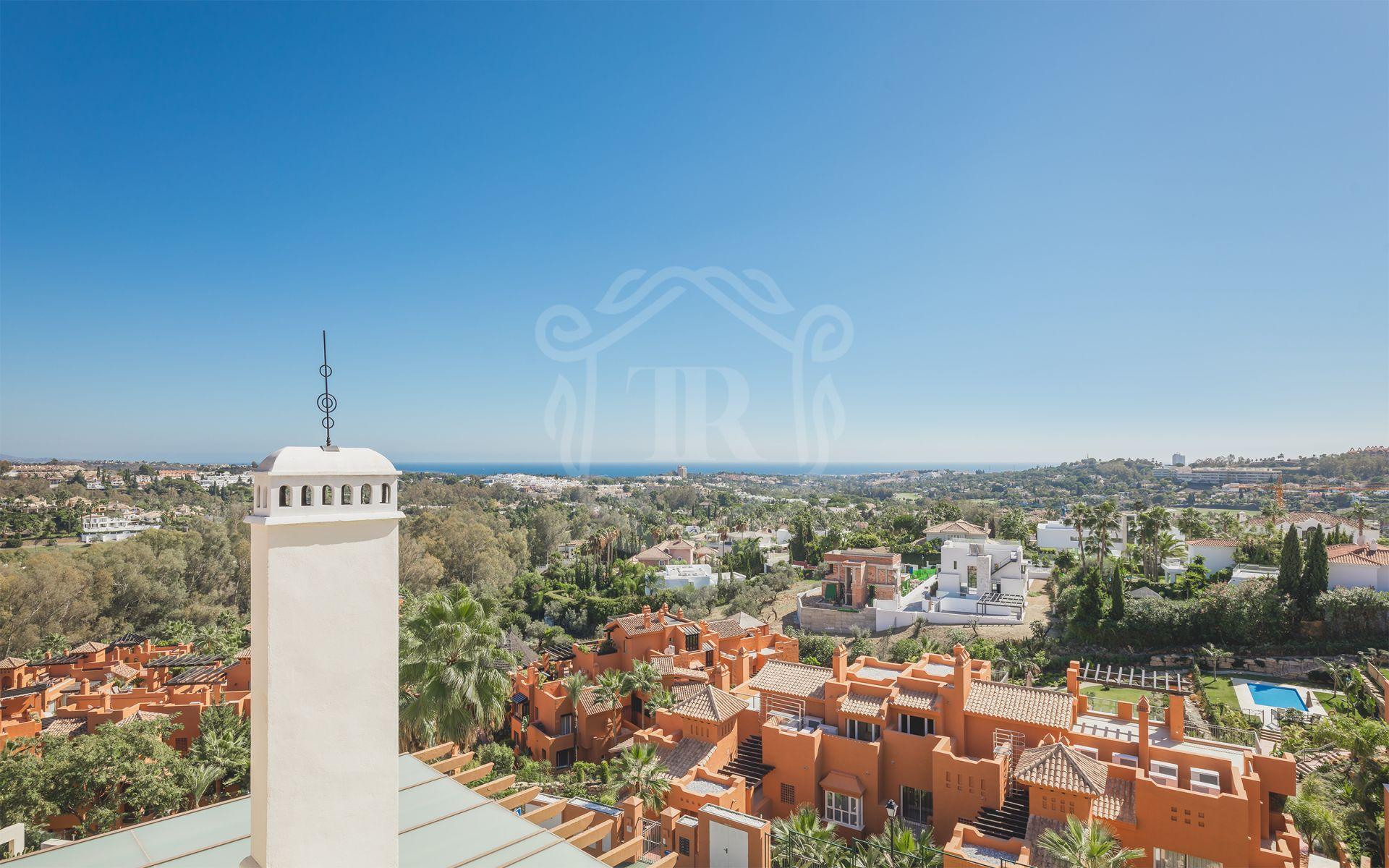 Duplex Penthouse in Los Belvederes, Nueva Andalucia