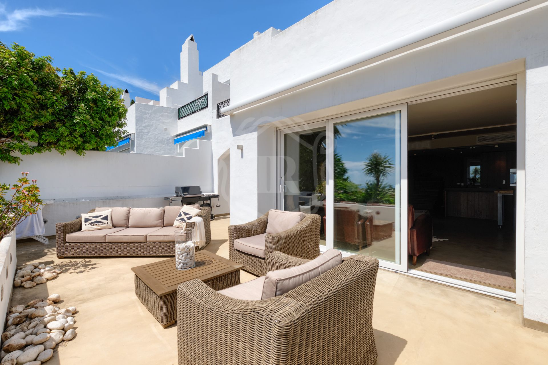 Duplex for sale in Altos del Paraiso, Estepona