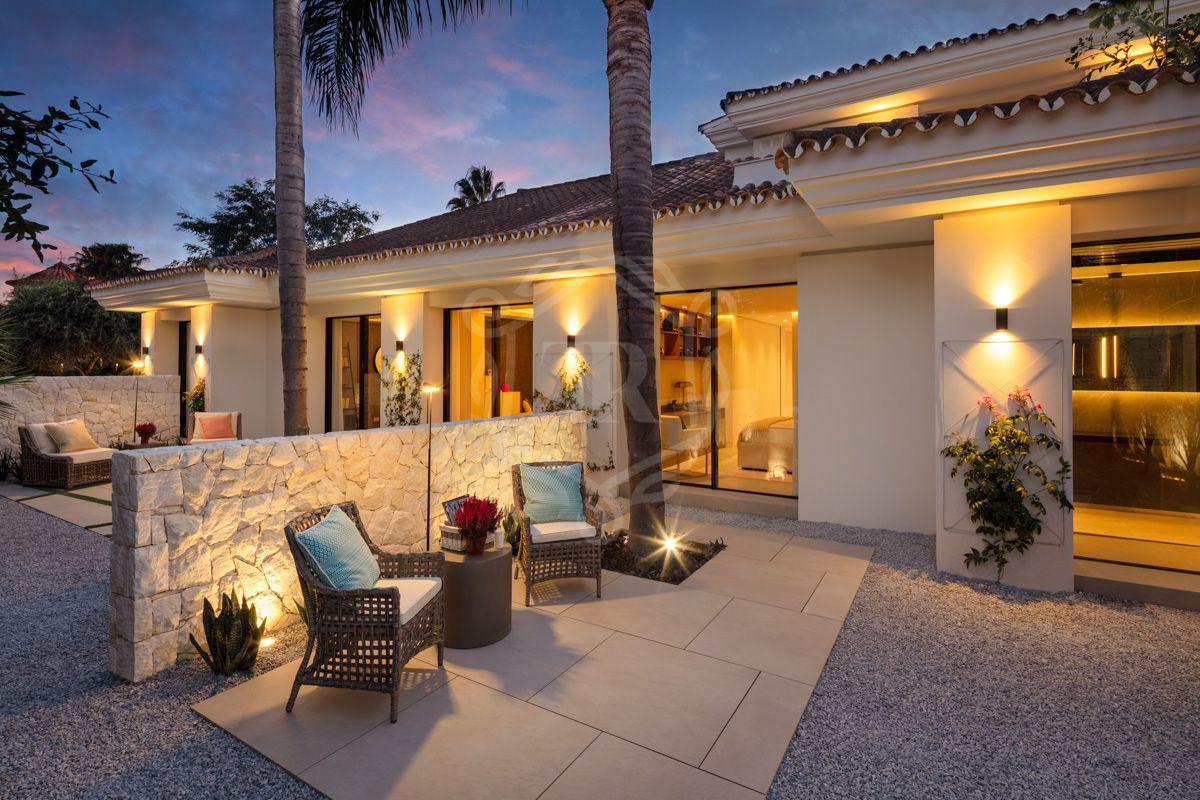 Villa for sale in Brisas del Golf, Nueva Andalucia