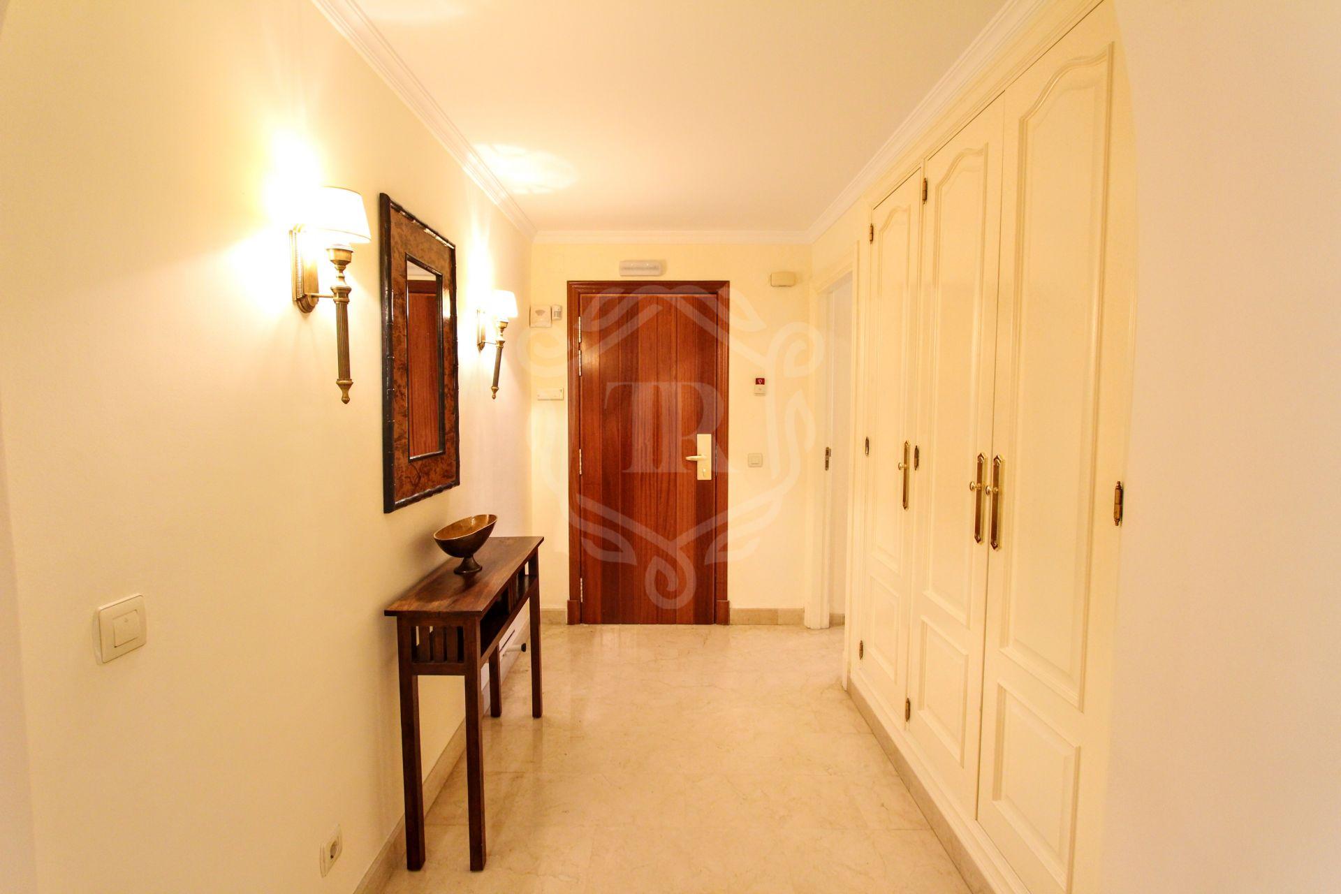 Ground Floor Apartment for sale in Marbella - Puerto Banus