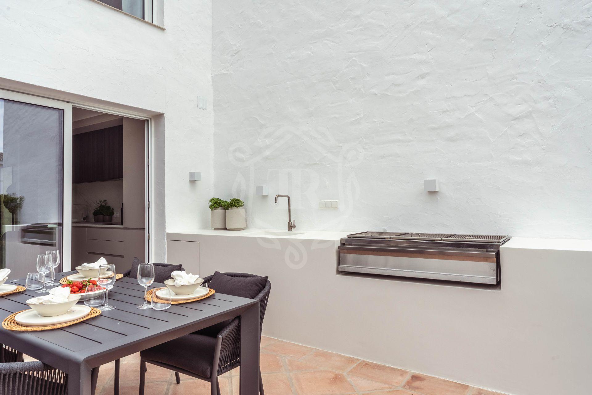 Town House for sale in Las Brisas, Nueva Andalucia