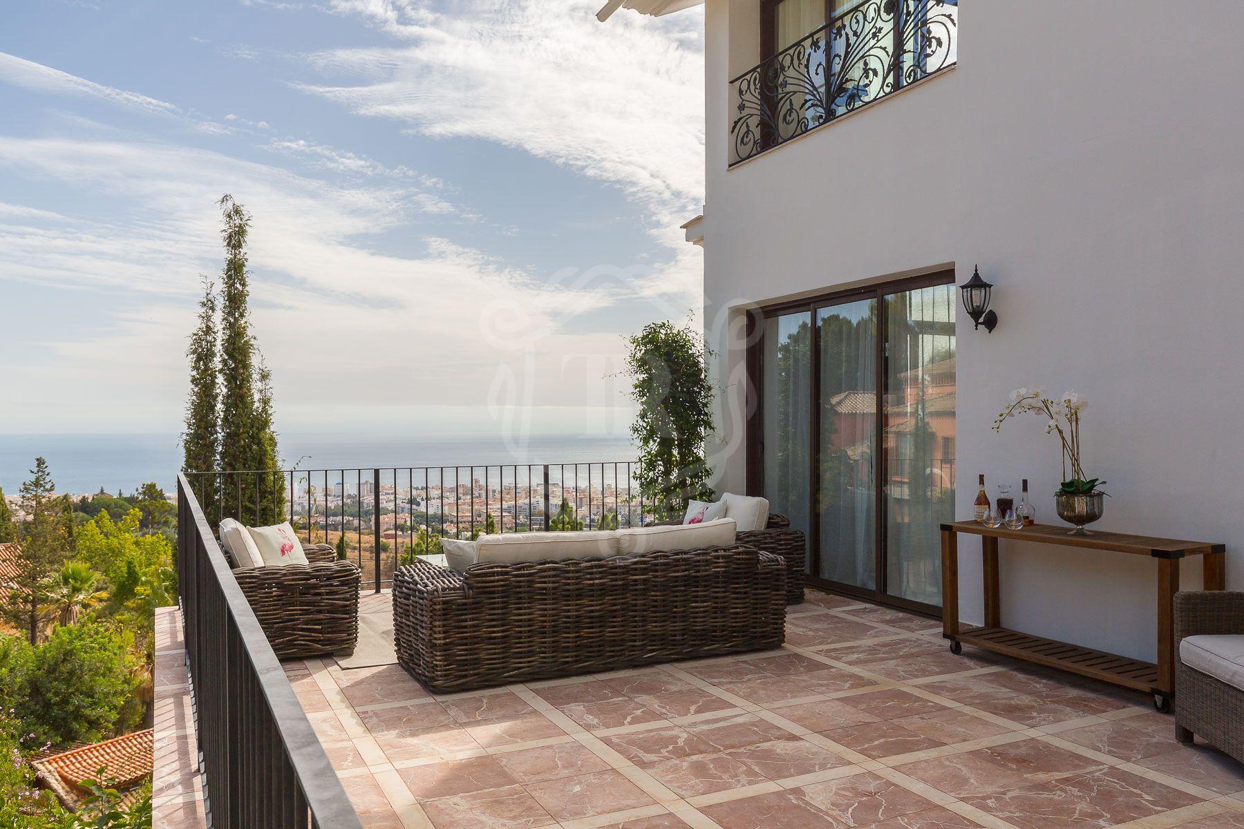 Renovated villa in La Montua with panoramic views, Marbella