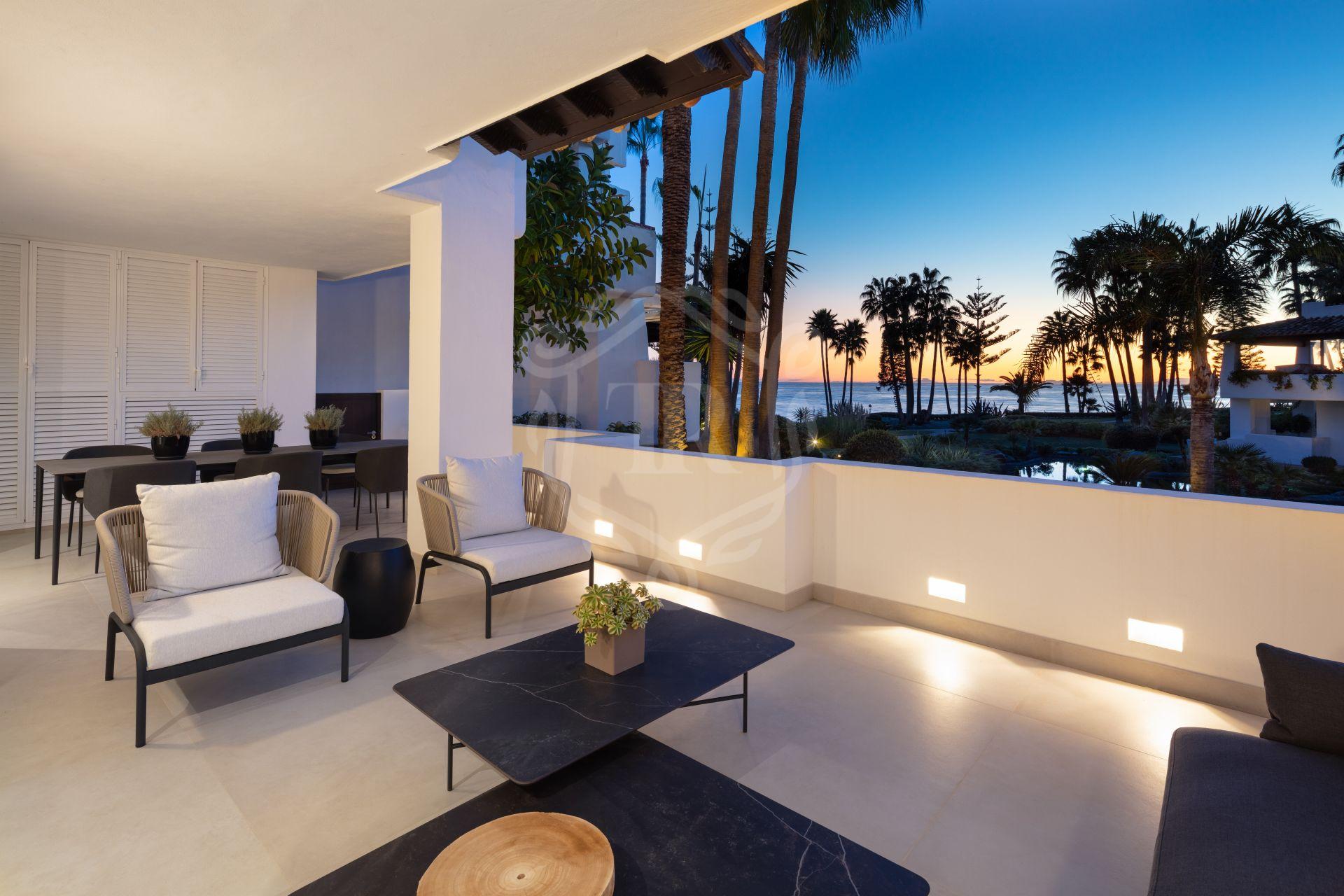 Spectacular refurbished ground floor apartment in Puente Romano