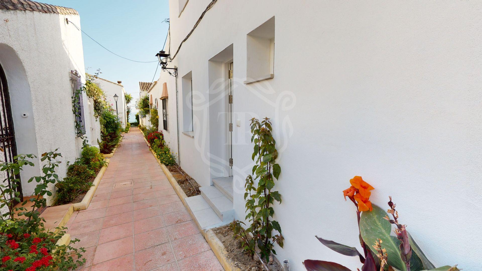 Town House for sale in El Pirata, Estepona