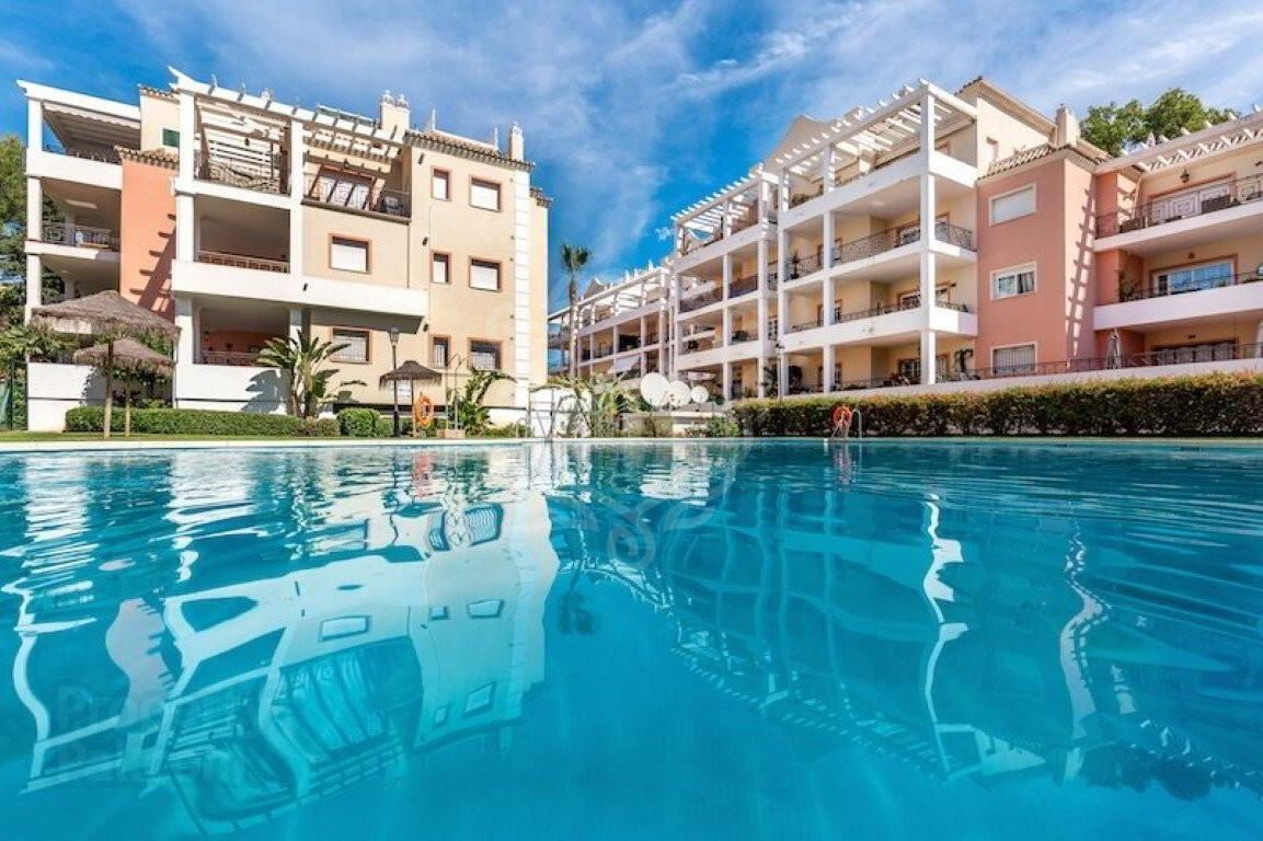 Apartment for sale in River Garden, Nueva Andalucia