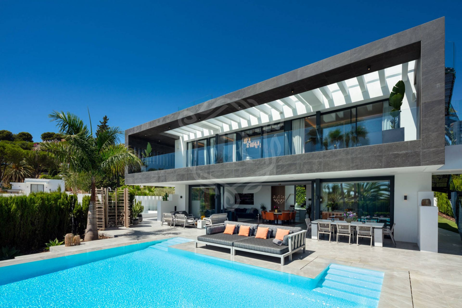 Contemporary villa in the golf valley of Nueva Andalucia with views