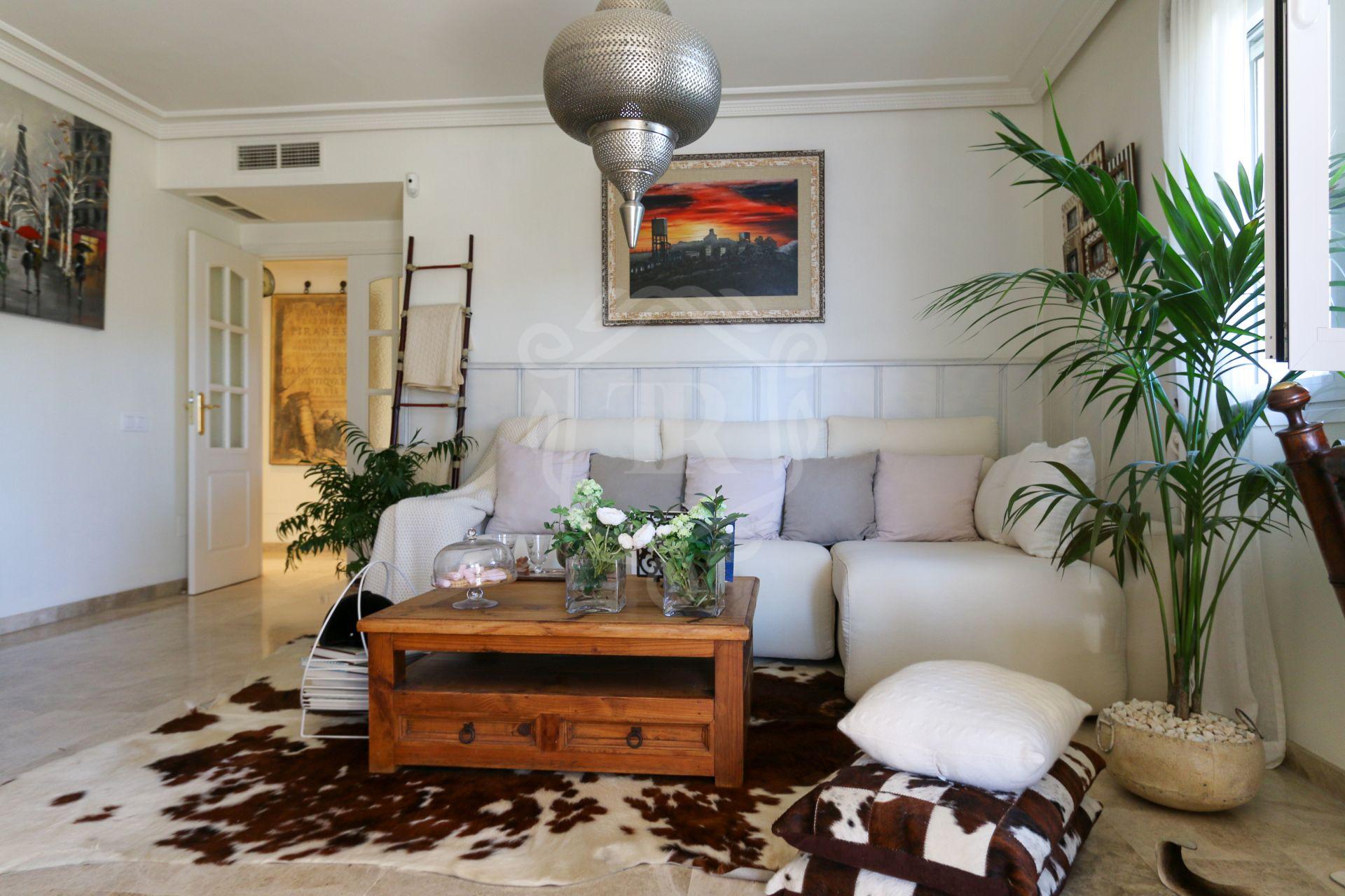 Apartamento en venta en Puerto Golf, Nueva Andalucia