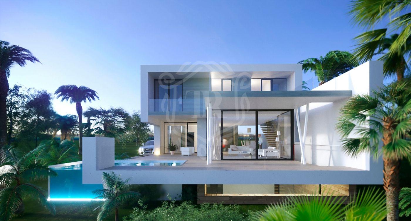 Villa for sale in El Campanario, Estepona