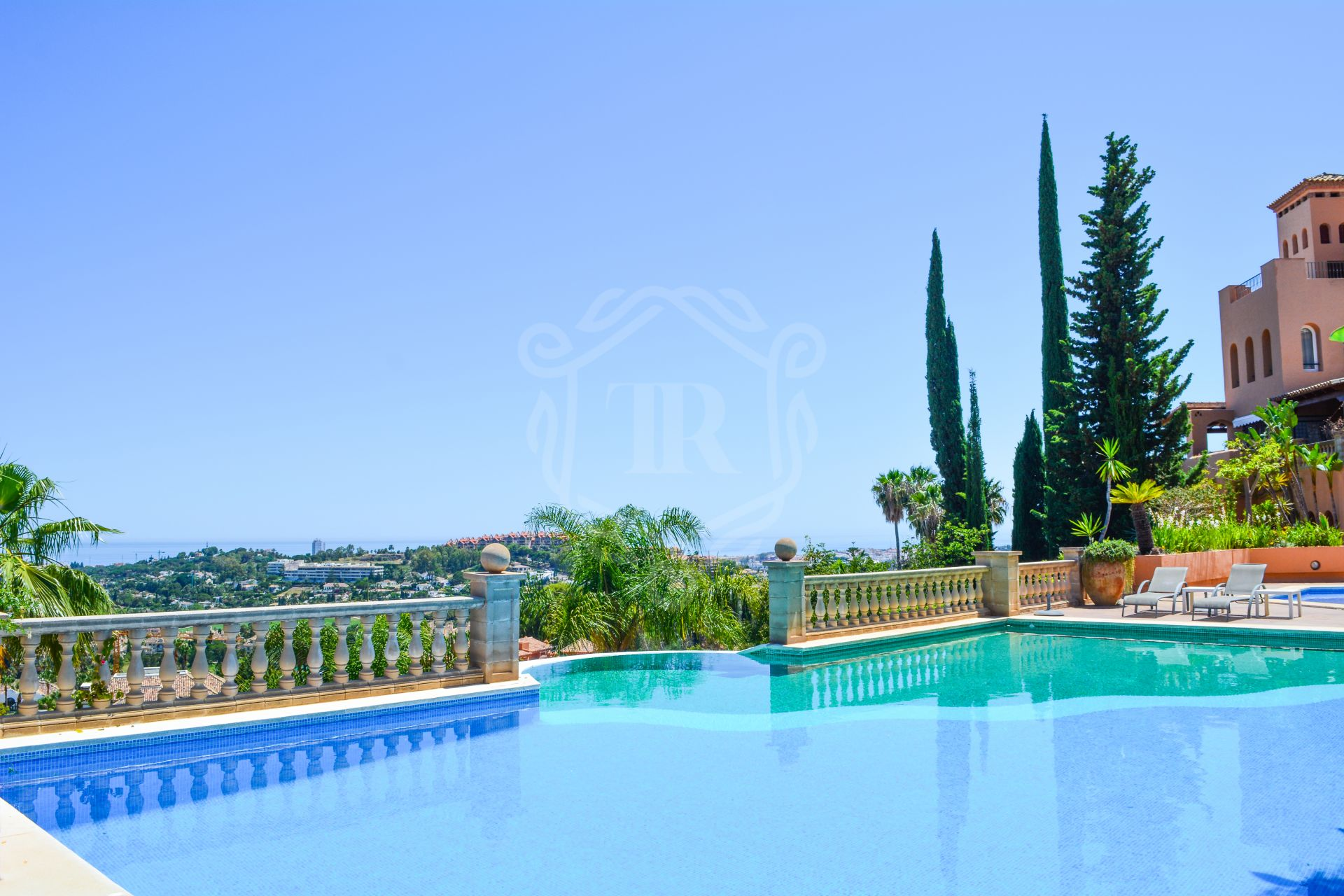 Fantastic apartment in Los Belvederes with views, Nueva Andalucia