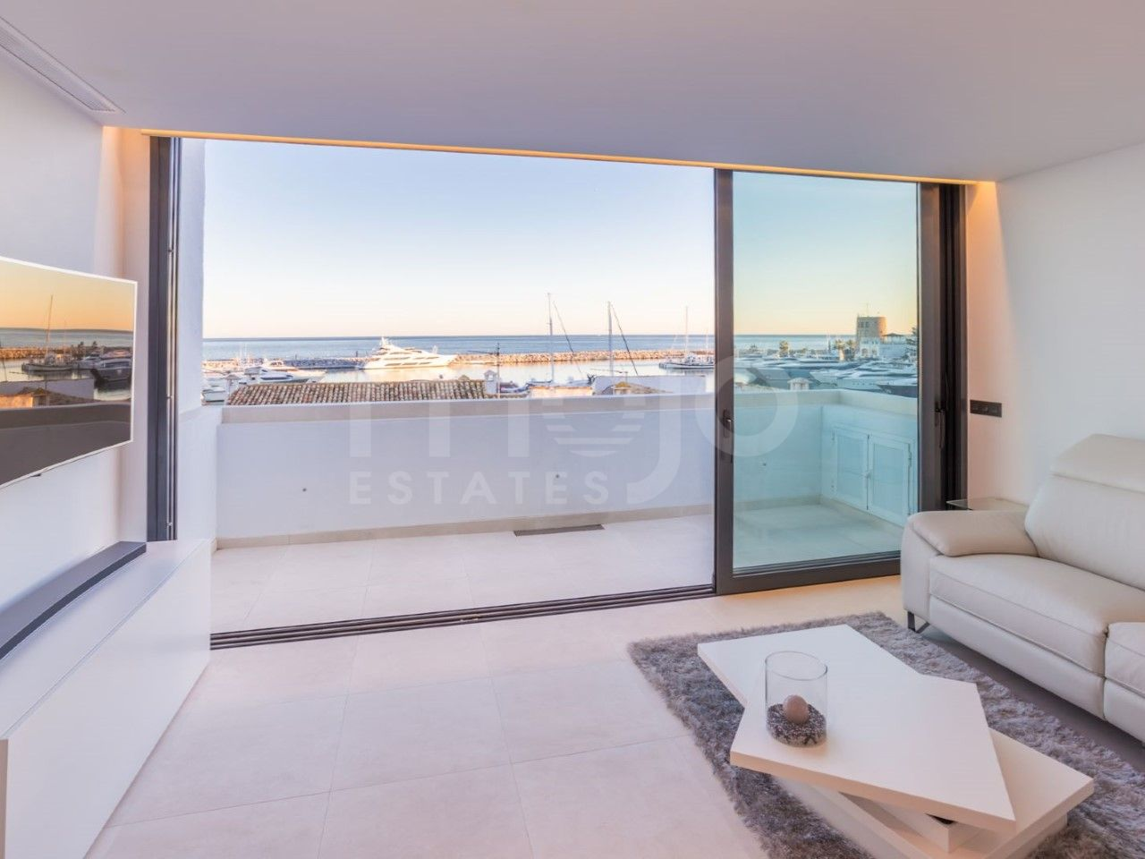 Tvåvånings takvåning till salu i Marbella - Puerto Banus