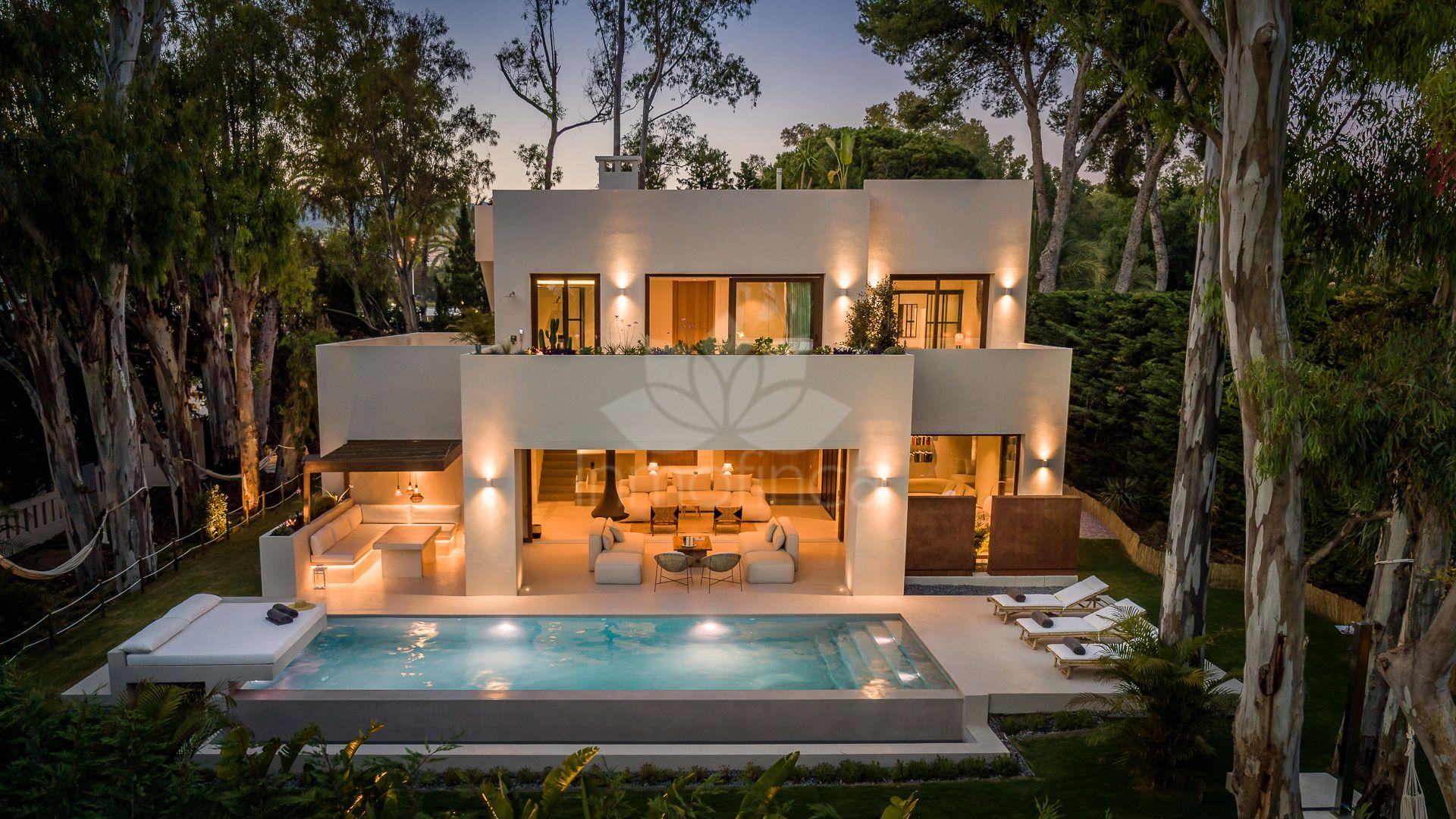 Villa in Los Monteros Playa, Marbella