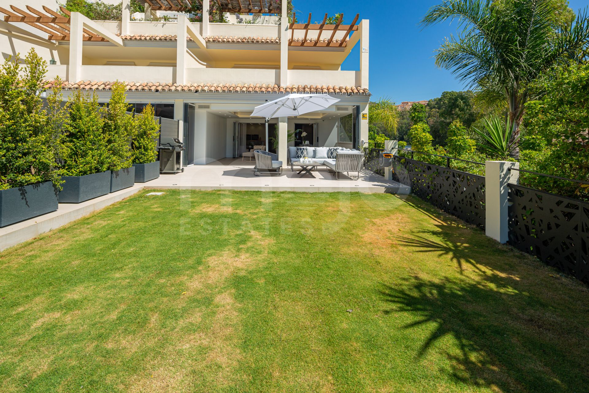 Appartement begane grond te koop in Nueva Andalucia, Marbella