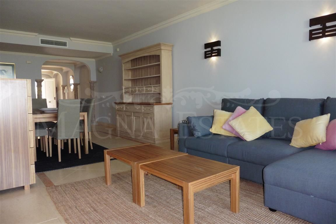 Spacious 2 bedroom apartment for rent in Magna Marbella