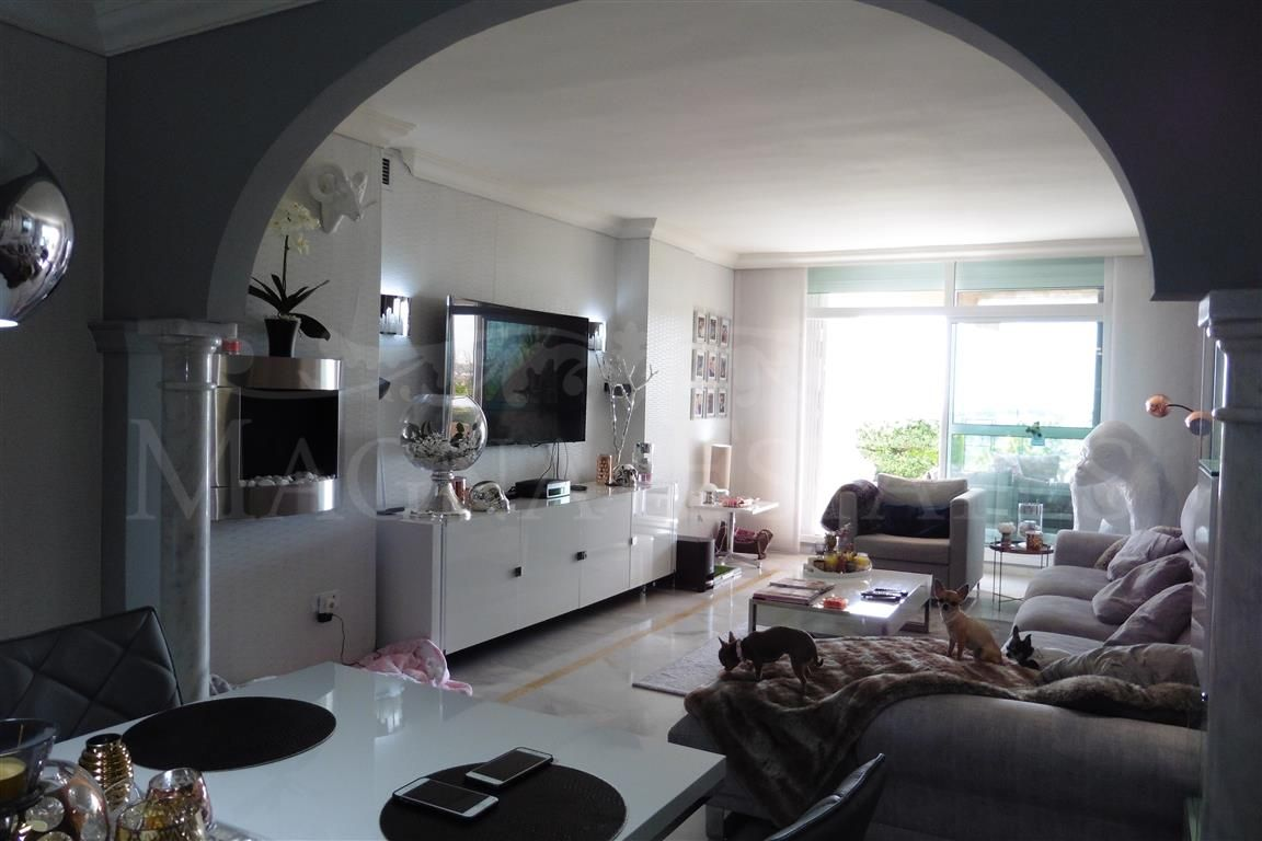3 bedroom apartment with large garden in Magna Marbella