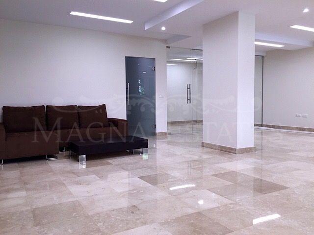 Commercial premises in Magna Marbella, Nueva Andalucía