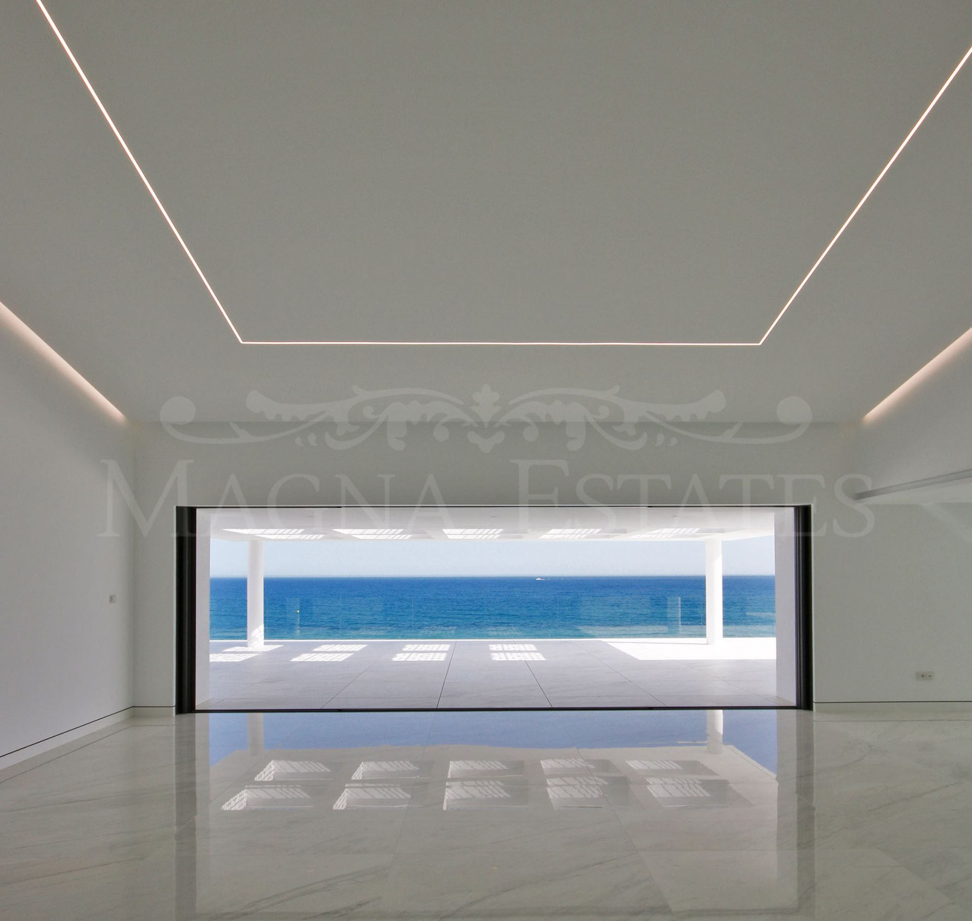 Exceptional and exclusive beachfront apartment project on the New Golden Mile
