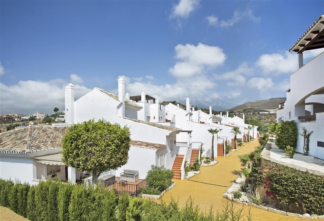 Brand new apartments in Nueva Andalucía