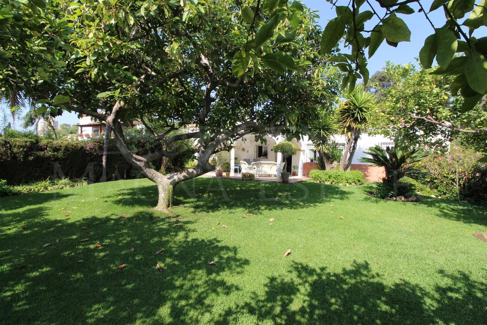 Semi detached villa on one floor first line golf Aloha, Nueva Andalucía
