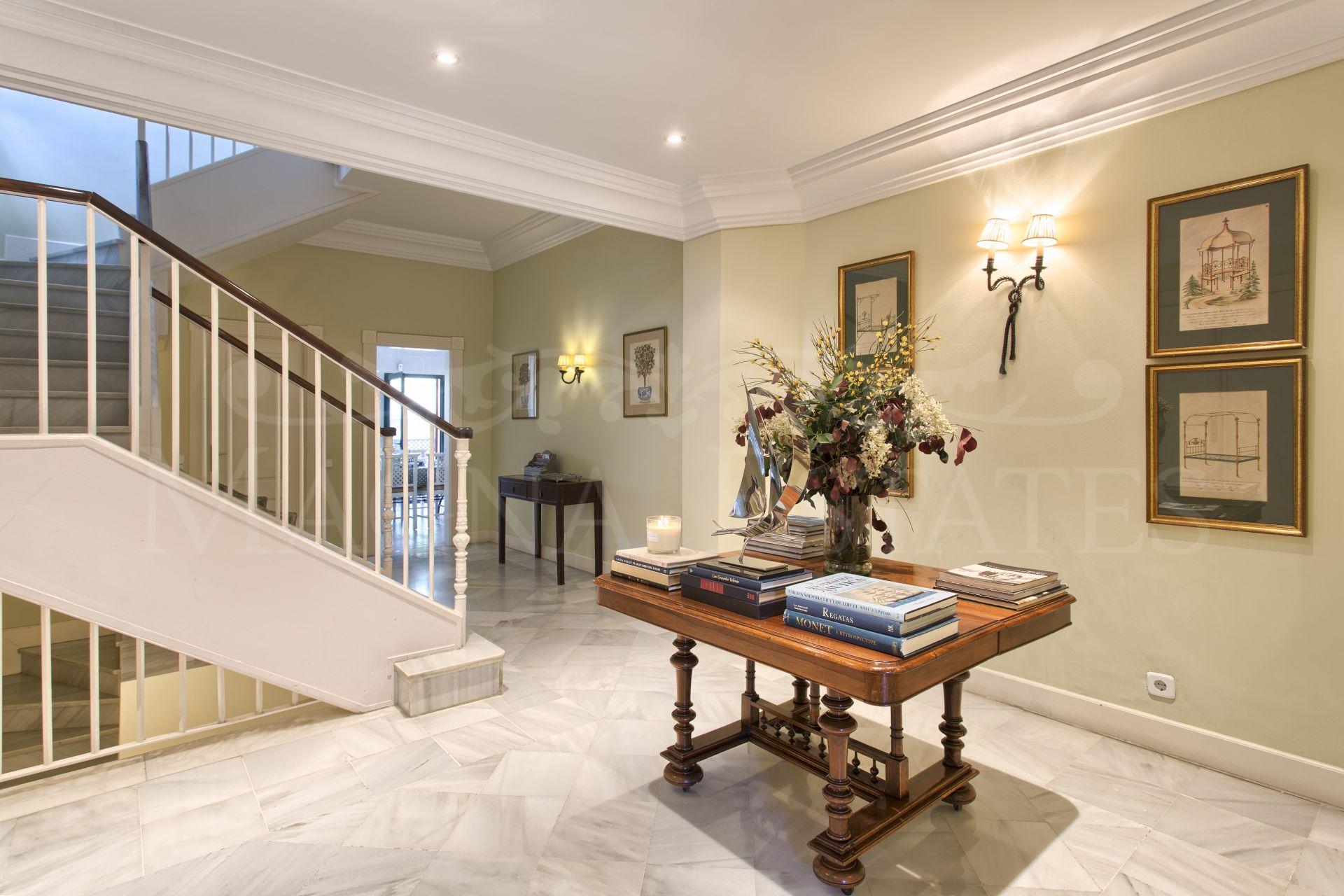 Villa señorial en Altos de Puente Romano, en plena Milla de Oro de Marbella