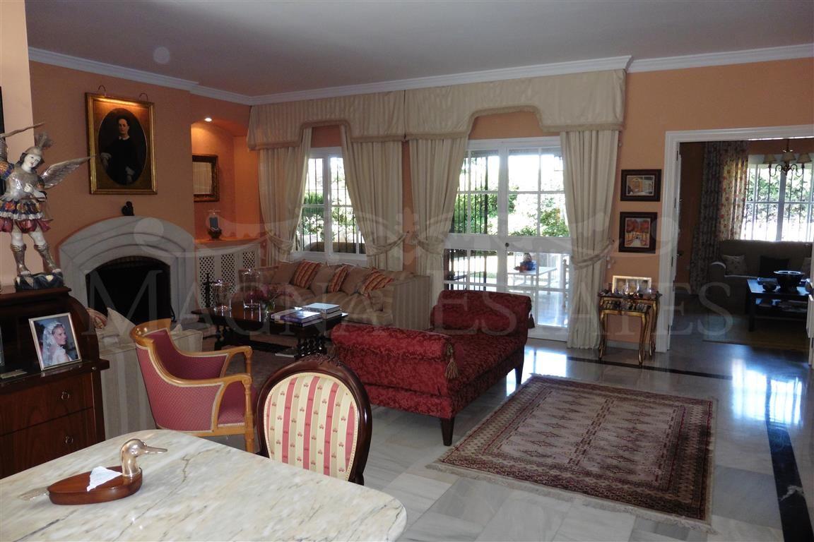 5 bedroom villa in the center of Marbella