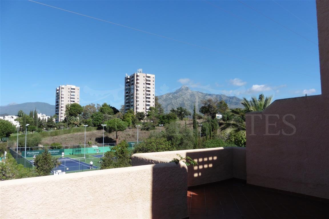 Villa Pareada en Nueva Andalucía