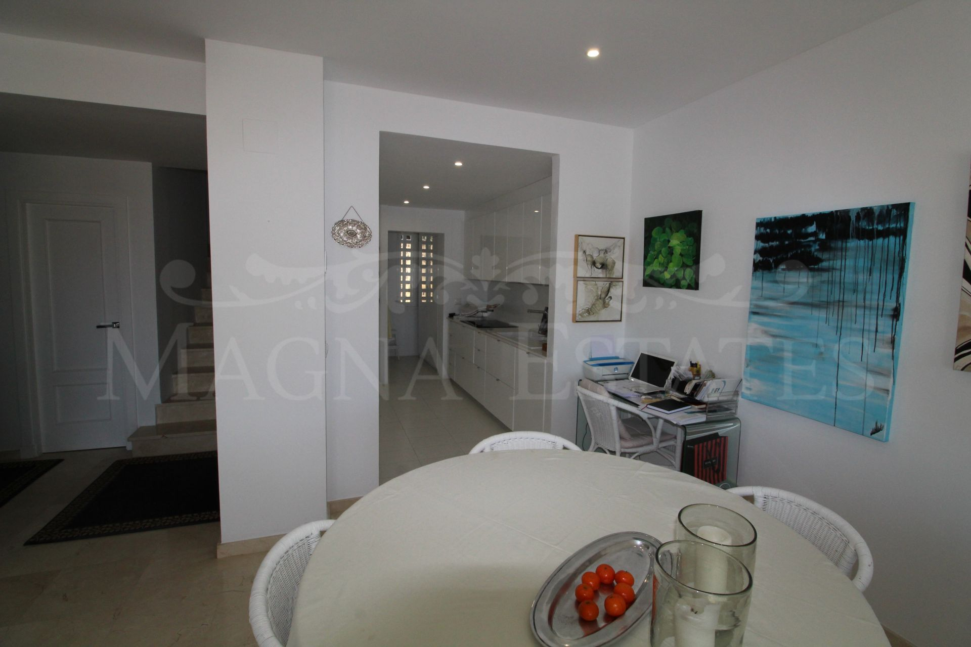 Fully renovated duplex penthouse with sea views in Nueva Andalucía, Marbella