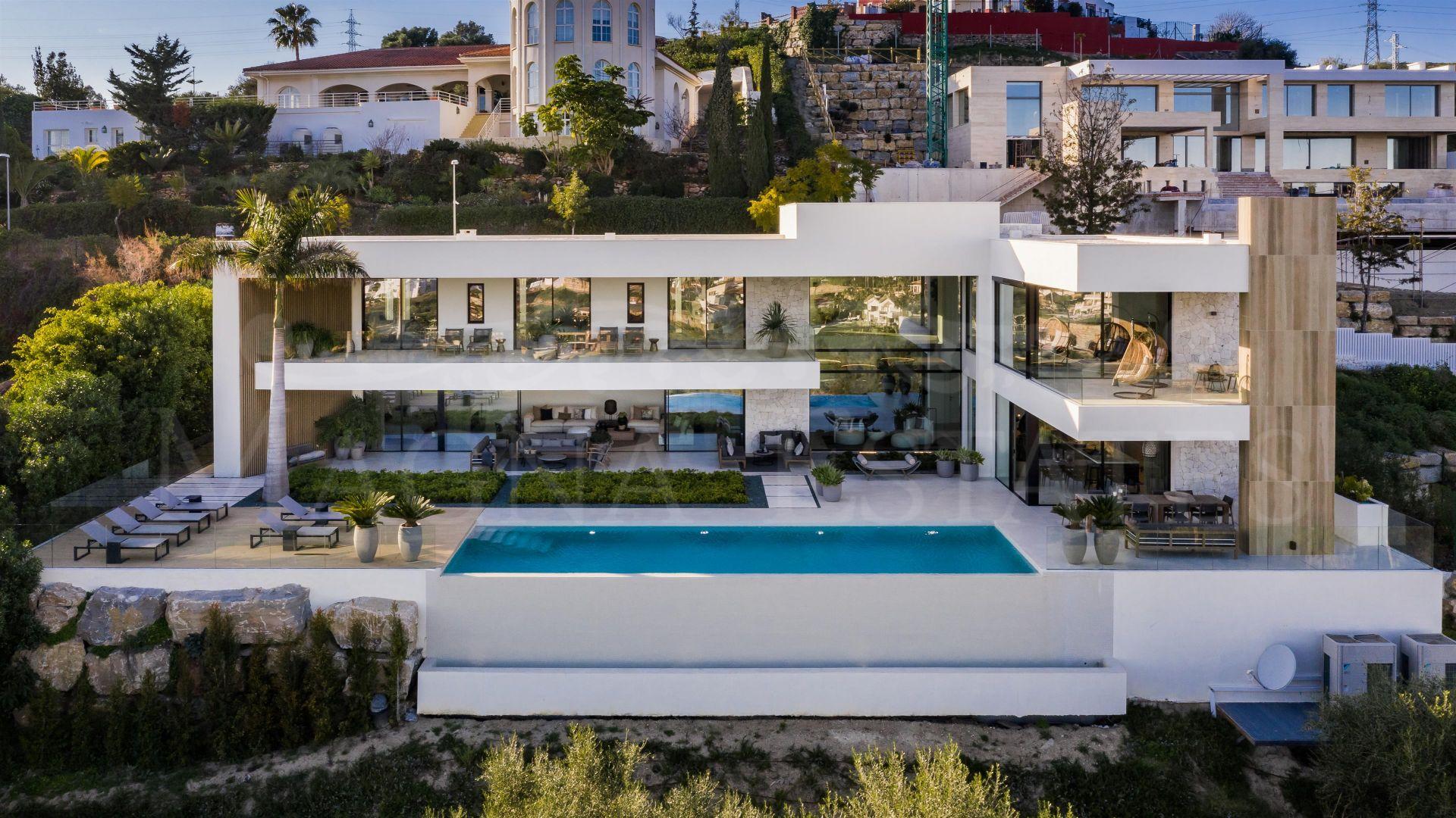 Spectacular and elegant designer villa in La Alquería, Benahavís