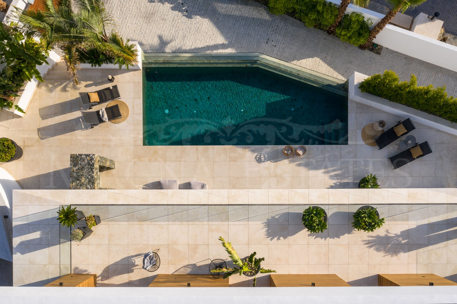 Villa a estrenar con impresionantes vistas en La Quinta, Benahavís.