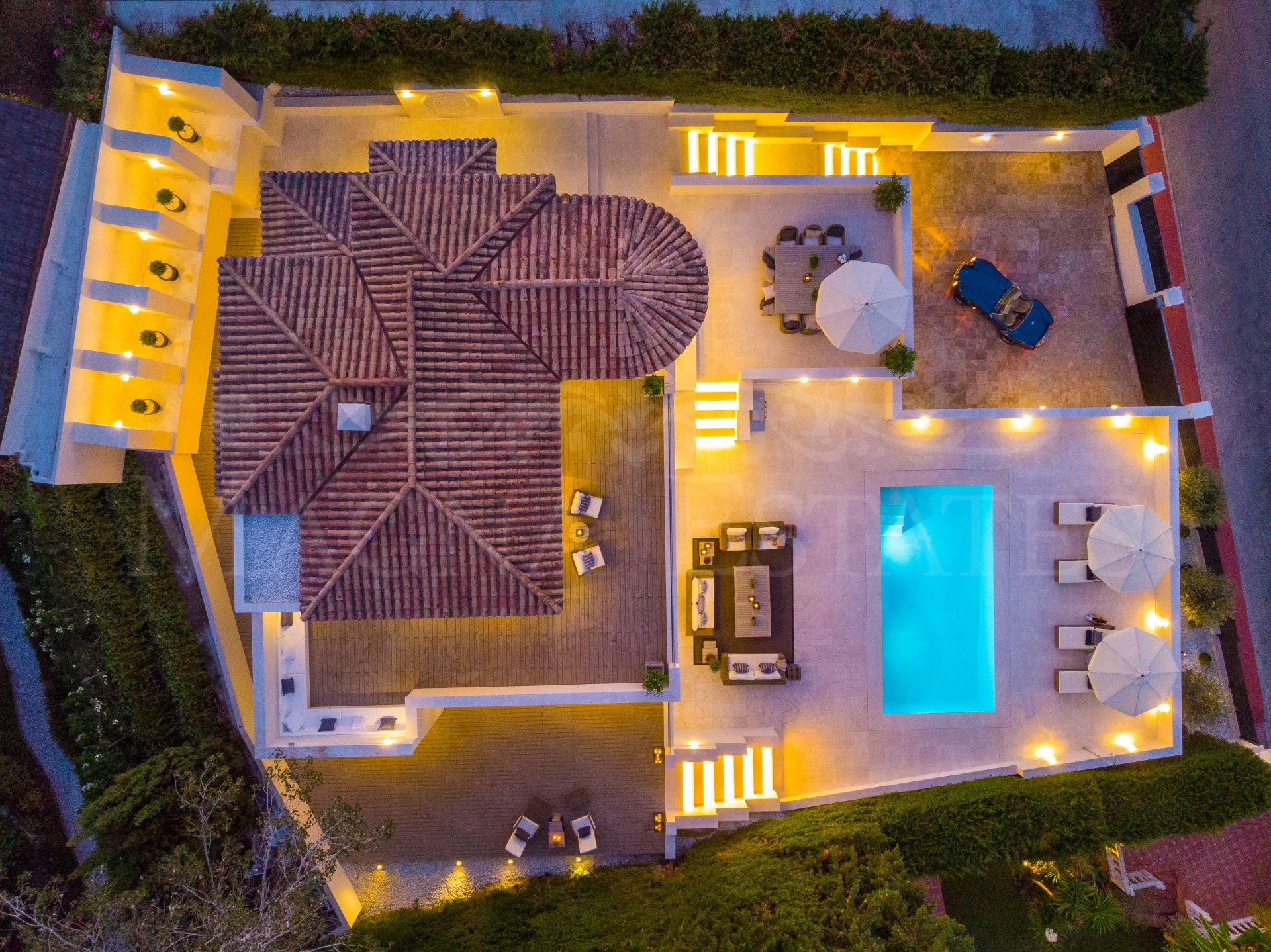 Villa totalmente reformada en Las Brisas, Nueva Andalucía