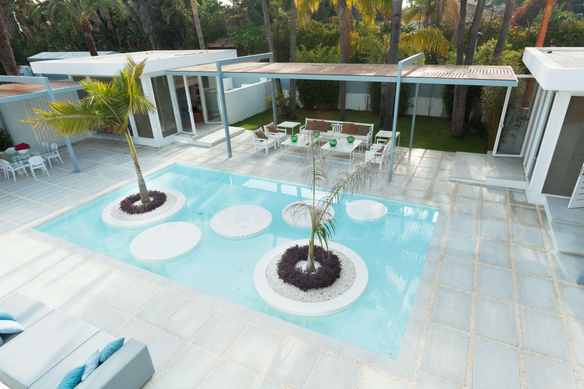 Imponente villa reformada en Guadalmina Baja, Marbella