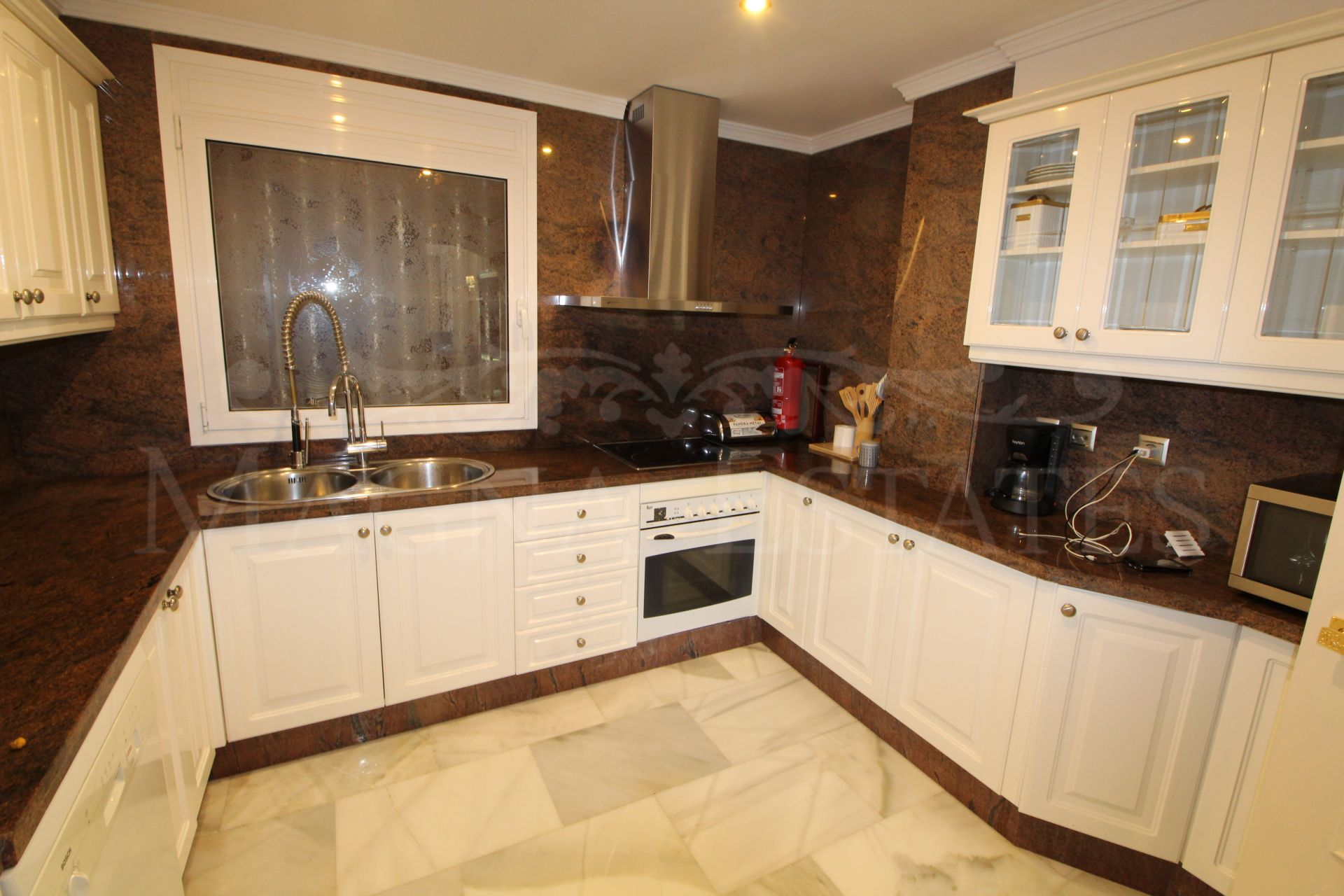 Ground floor apartment with garden for holiday rental in Magna Marbella