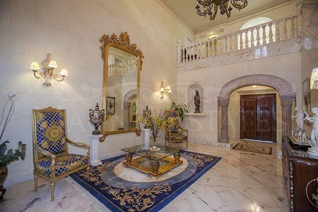 Great classic villa in Sierra Blanca, Marbella