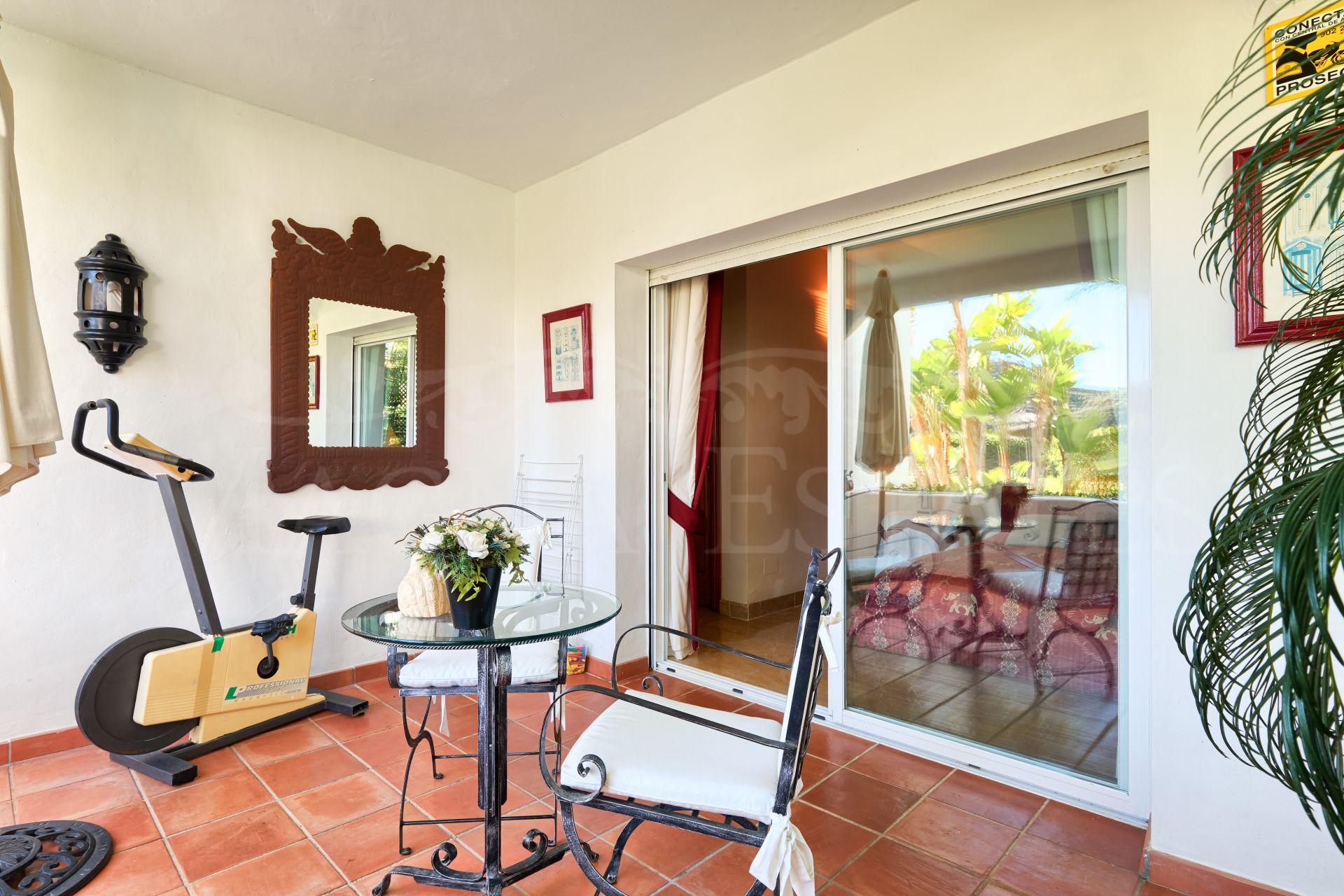 Apartamento de 3 dormitorios en Lomas de la Quinta, Benahavís